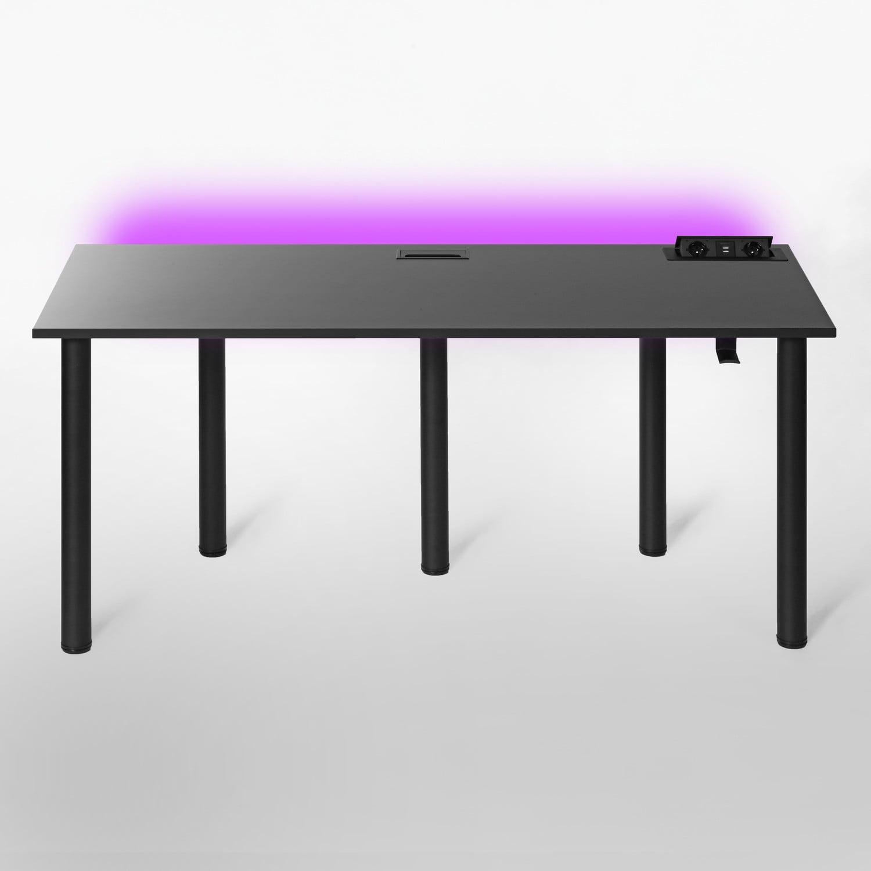 czarny stół komputerowy