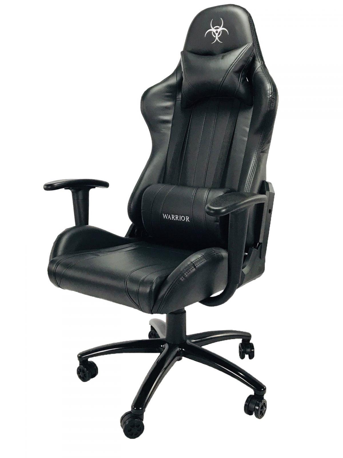 czarny fotel komputerowy
