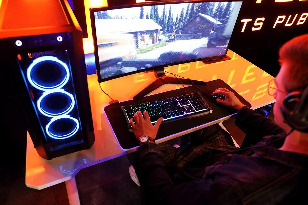 biurko dla graczy w połysku